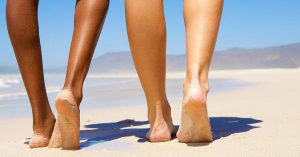 andar sem calcado na areia